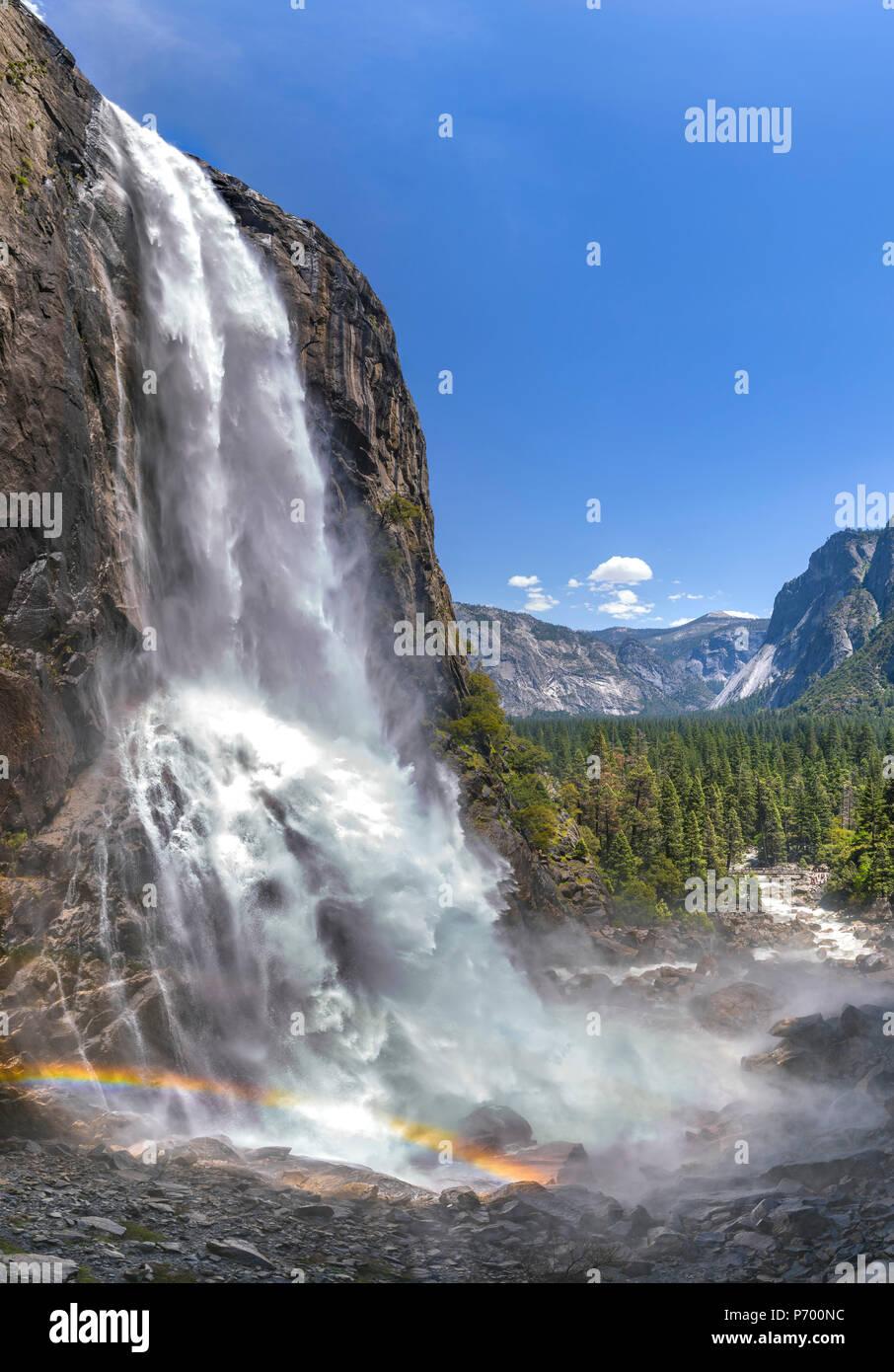 Unteren Yosemite Falls vertikale Panorama Stockbild