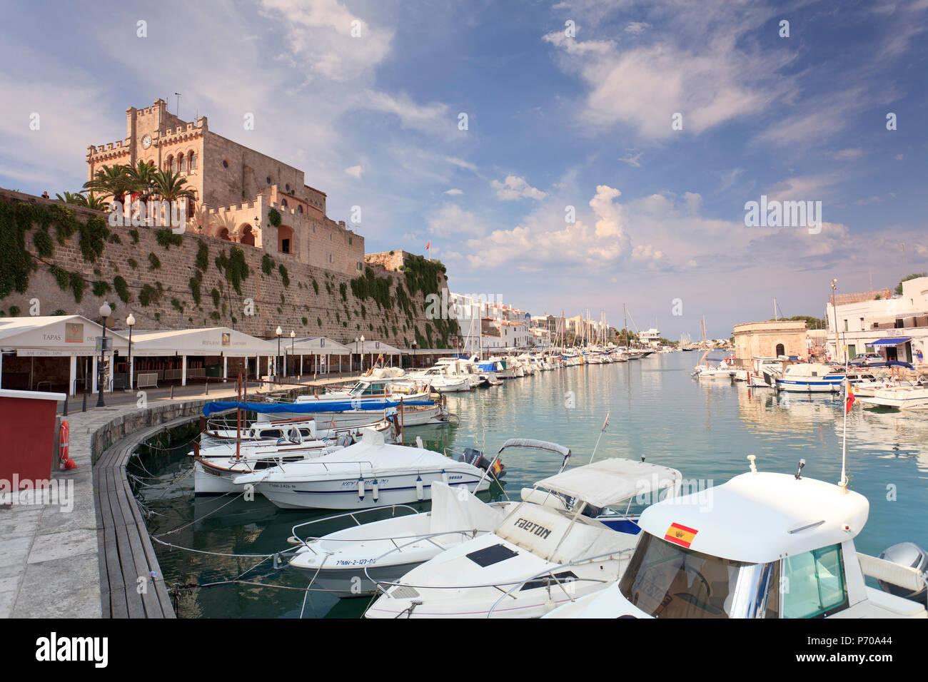 Spanien, Balearen, Menorca, Ciutadella, historischen alten Hafen und Altstadt Zentrum Stockbild