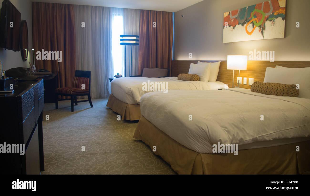 Schlafzimmer Hotel white Bett komfortabel übernachten Studie ...