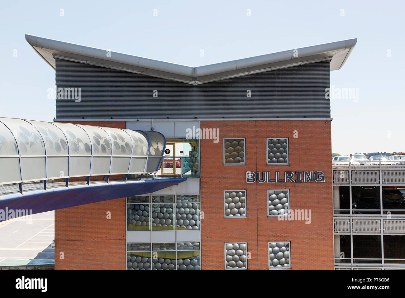 Birmingham, Vereinigtes Königreich: 29. Juni 2018: Selfridges Moor Street Car Park. Ein bequem gelegenes Parkhaus gegenüber des legendären Selfridges Gebäude. Stockbild