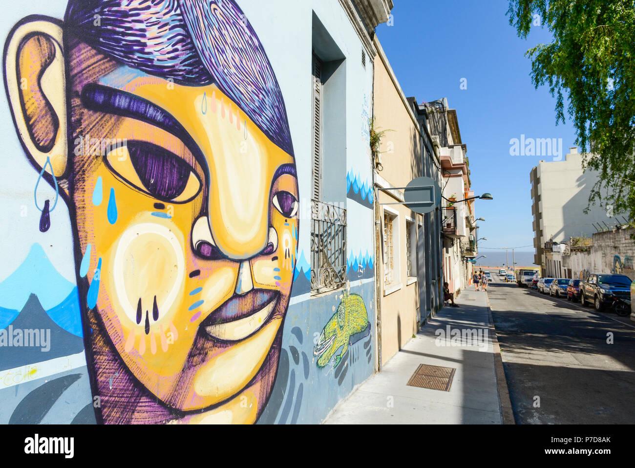 Graffiti, wandbild an der Wand eines Colonial House, Montevideo, Uruguay Stockbild