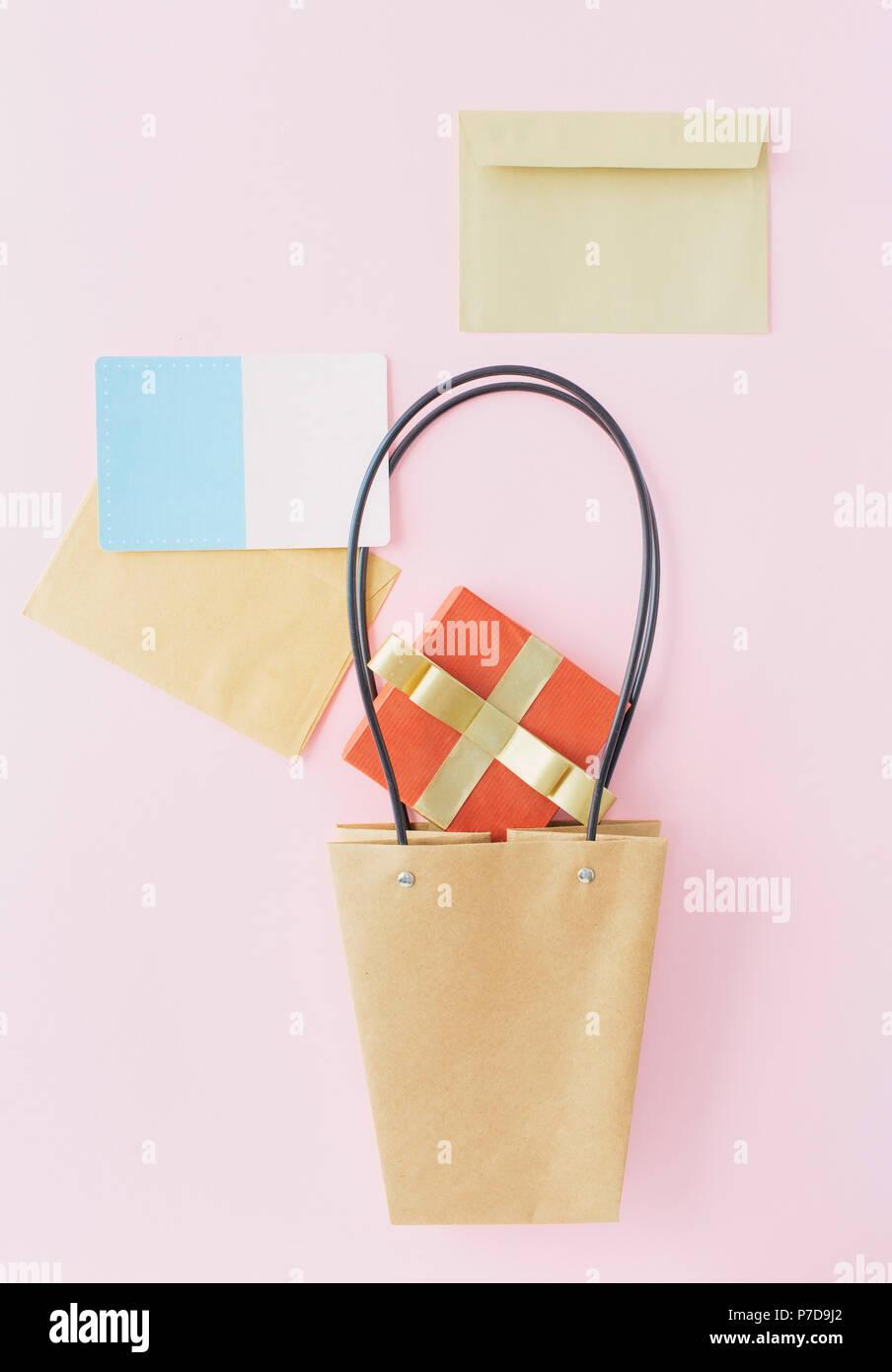 Kreative Gestaltung Aus Papier Beutel Roter Geschenkbox Umschlag