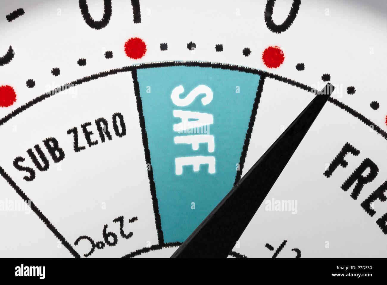 Kühlschrankthermometer : Kühlschrankthermometer sichere zone makro nahaufnahme detail
