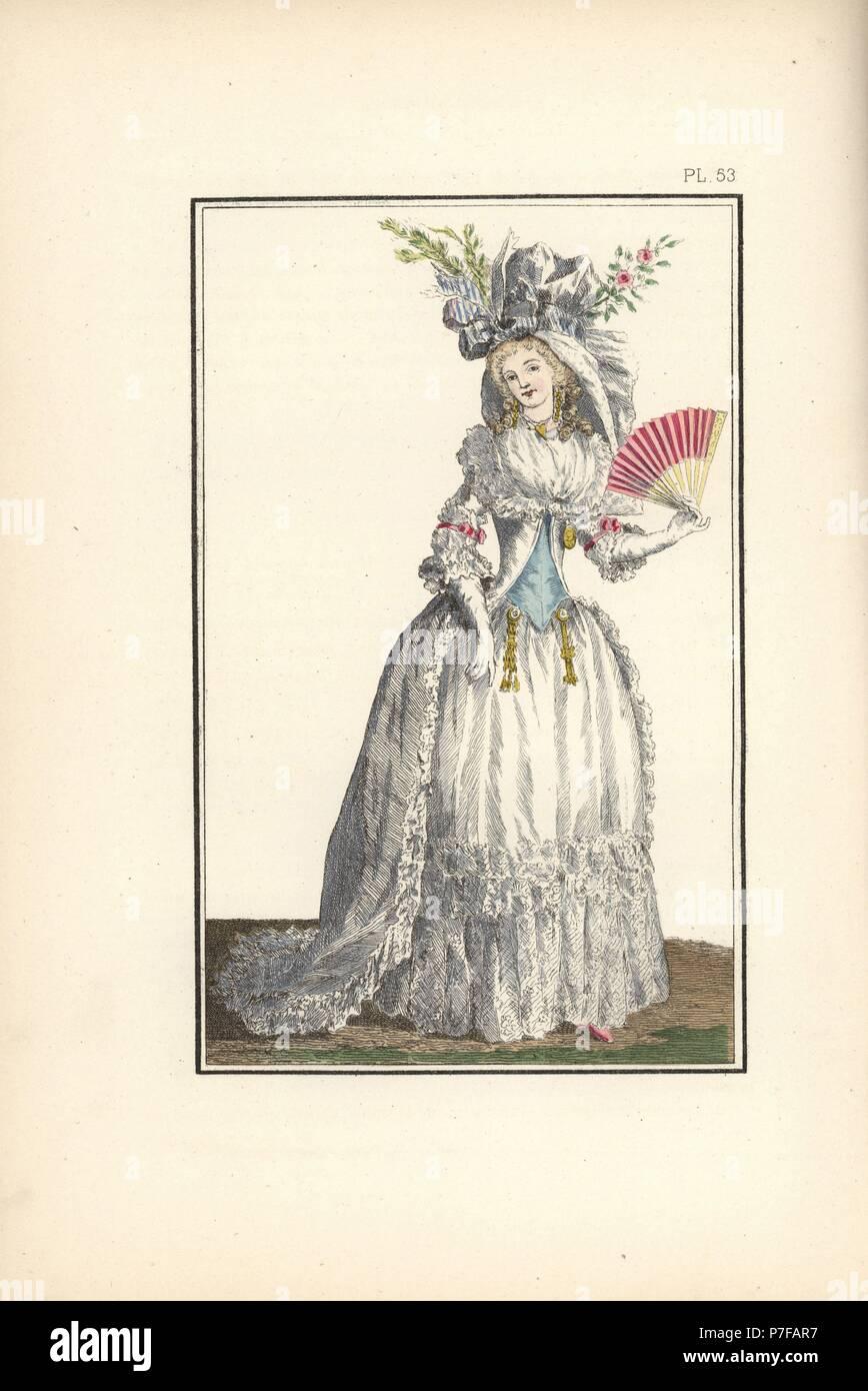 Frau In Kleid A La Turque In Weißer Bettwäsche Und Englisch Spitzen