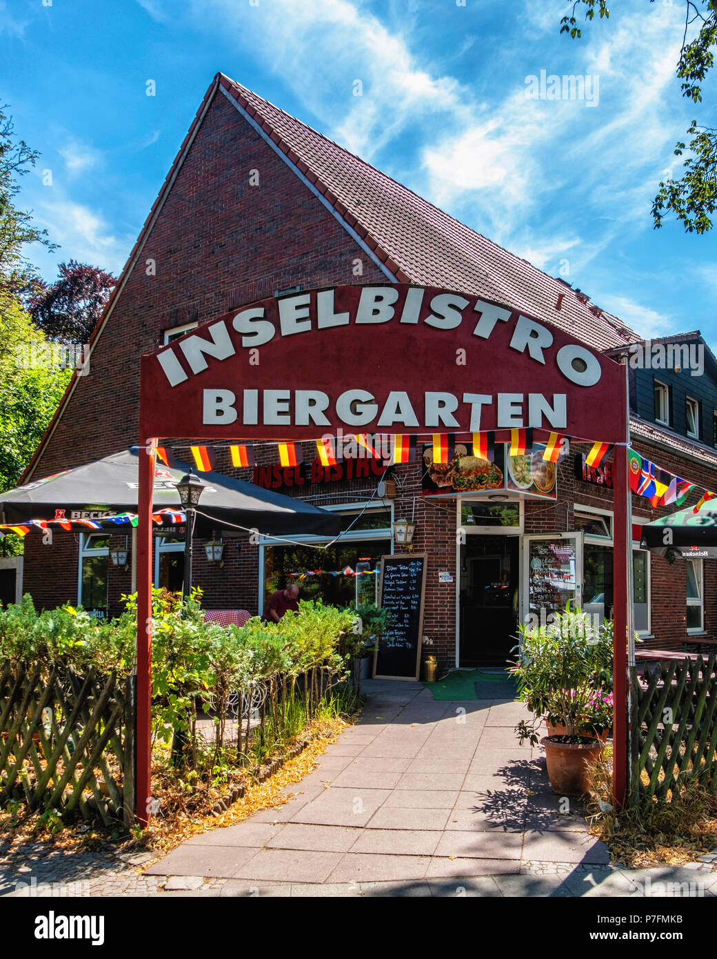 Berlin-Dahlem. Podbielskiallee. Insel Bistro Biergarten und Restaurant Außenansicht Stockbild