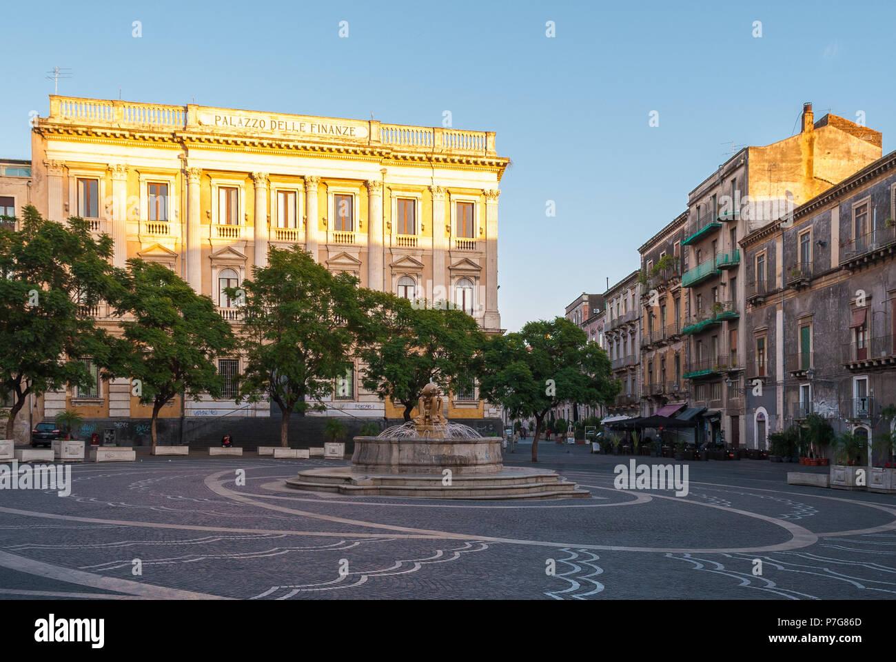 Anzeigen von Vincenzo Bellini in Catania am Nachmittag Stockbild