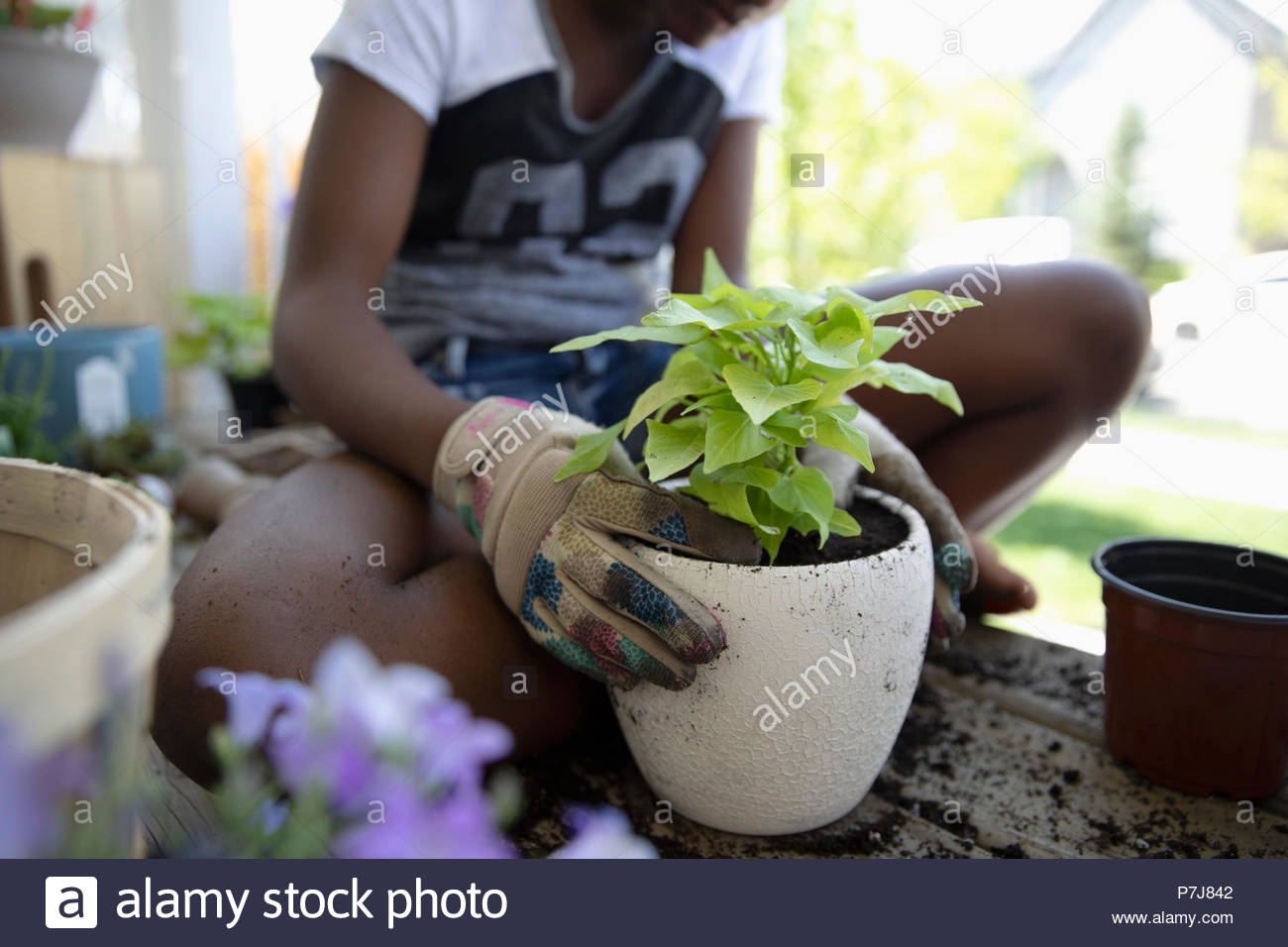 Barefoot Tween Girl Stockfotos & Barefoot Tween Girl Bilder - Alamy
