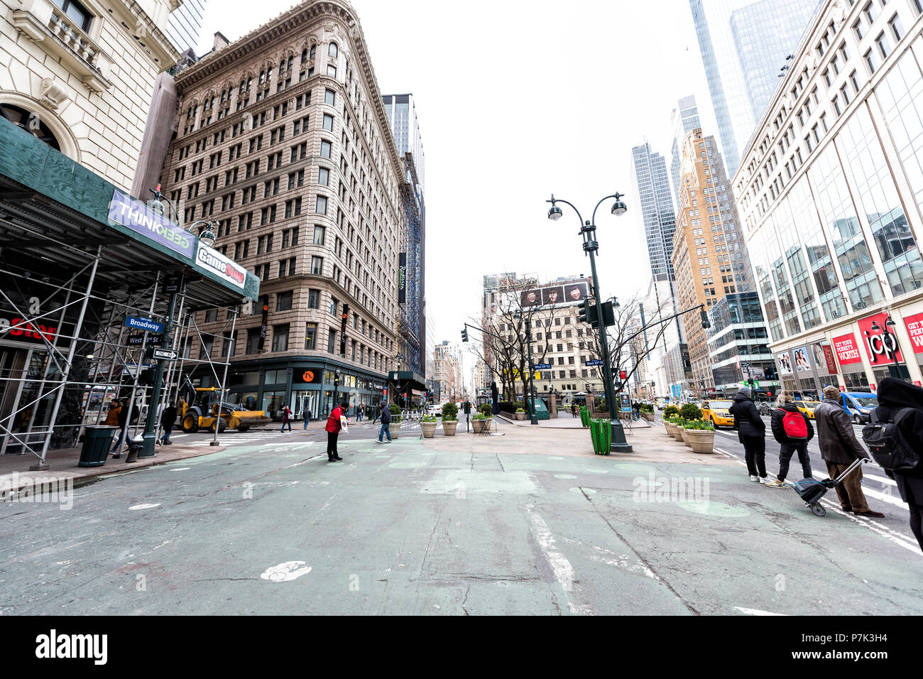 Sixth Avenue New York Shopping Stockfotos & Sixth Avenue New York ...