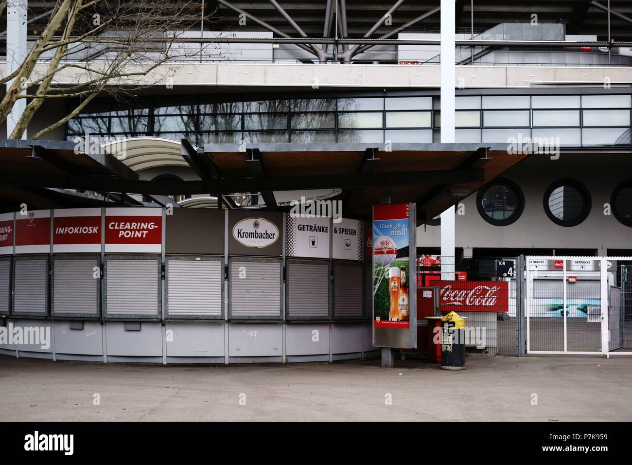 Stuttgart, Deutschland, Lebensmittel und Getränke Automaten am ...