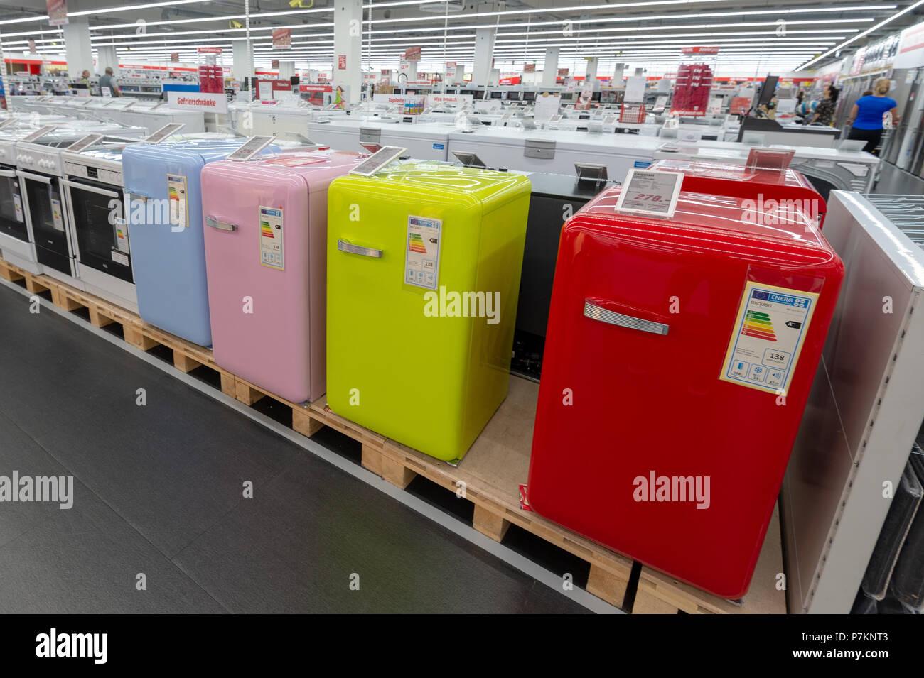 Ingolstadt, Deutschland. 06. Juli 2018. Kühlschränke sind auf ...