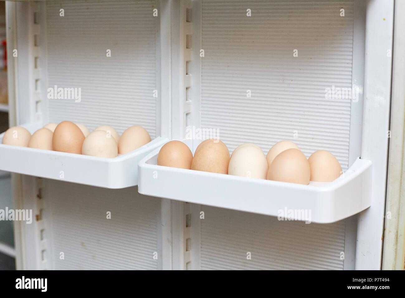 Kühlschrank Ei : Eier im kühlschrank deshalb gehören eier nicht in die kühlschranktür