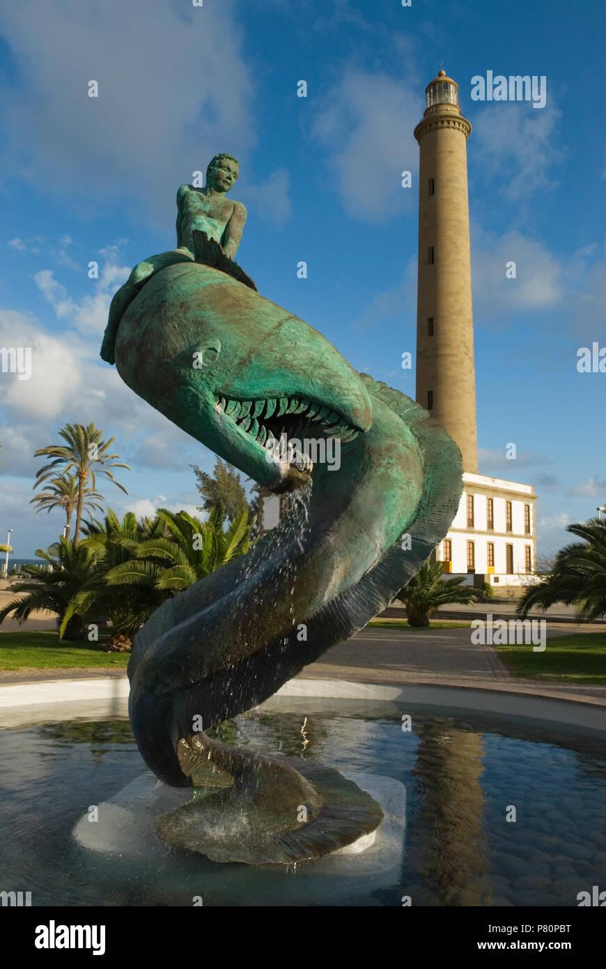 Leuchtturm und Schlange Brunnen in Maspalomas auf Gran Canaria Stockbild
