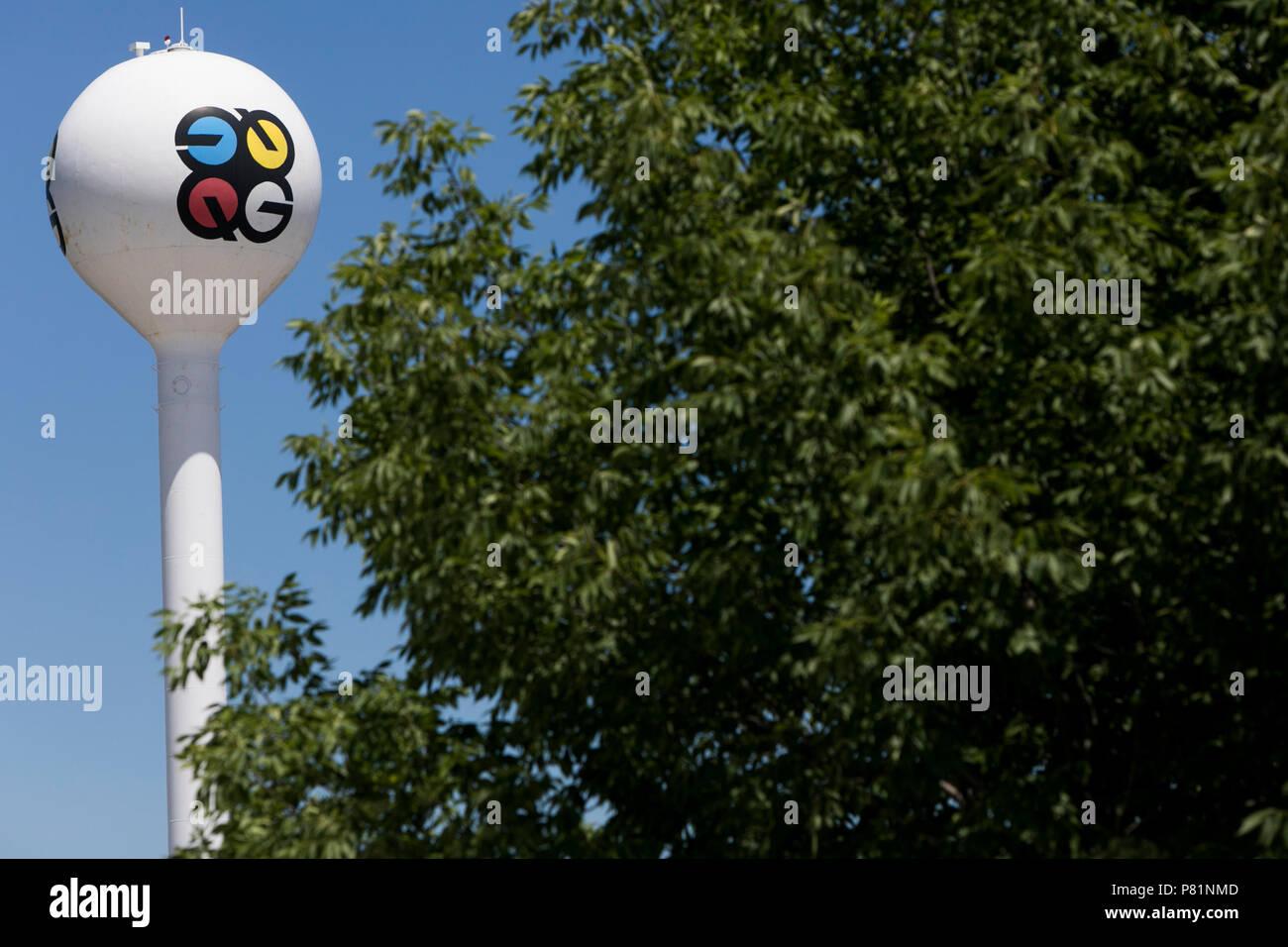 Ein logo Zeichen außerhalb einer Anlage von Quad/Graphics in Mukwonago, Wisconsin besetzt, am 24. Juni 2018. Stockbild