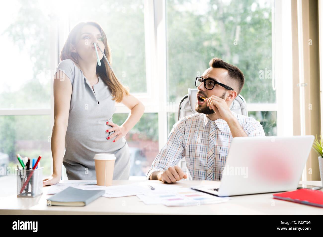Geschäft Leute Spaß im Büro Stockbild