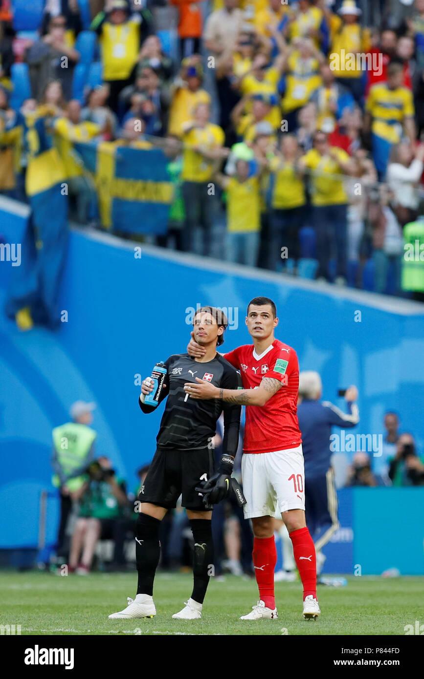 Sankt Petersburg Russland 3 Juli Yann Sommer L Und Granit Xhaka Der Schweiz Nationalmannschaft Komfort Jedes