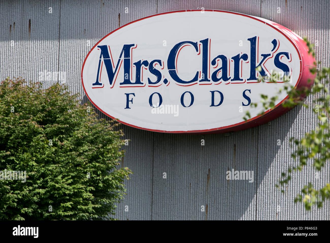 Ein logo Zeichen außerhalb einer Einrichtung, die von Frau Clark's Foods in Ankeny, Iowa belegt, wurde am 30. Juni 2018. Stockbild