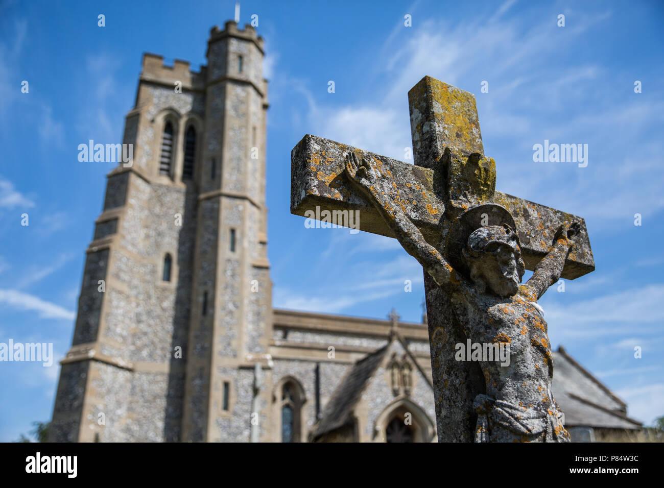 Ellesborough, UK. 6. Juli, 2018. Die Pfarrkirche der Heiligen Peter und Paul. Stockbild