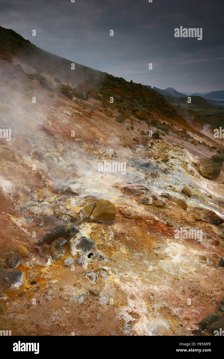 Vulkanisch actief gebied bij Krysuvik; geothermische Bereich an Krysuvik Stockbild