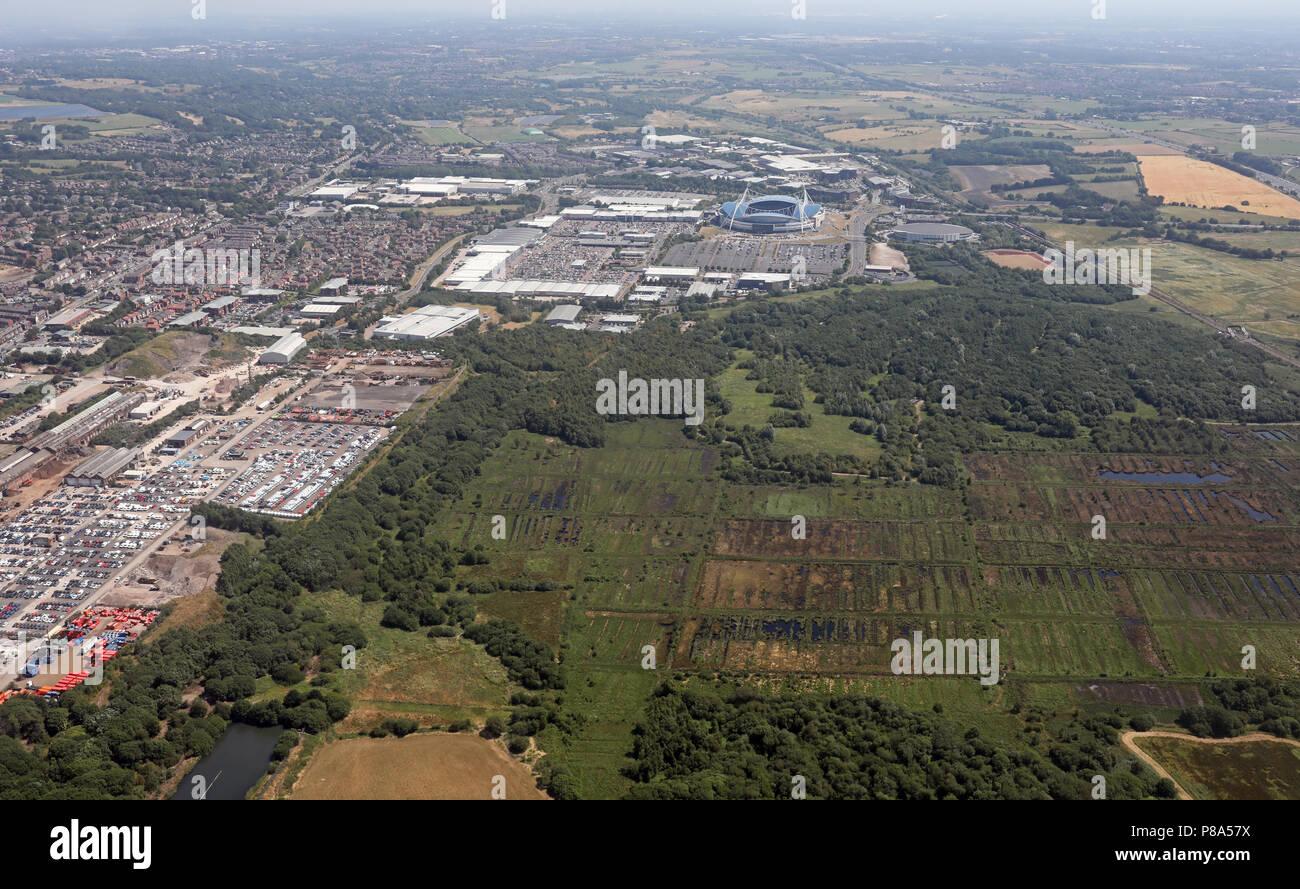 Luftaufnahme der Rote Moss SSSI-Land in der Nähe des Reebok Entwicklung, Bolton Stockbild