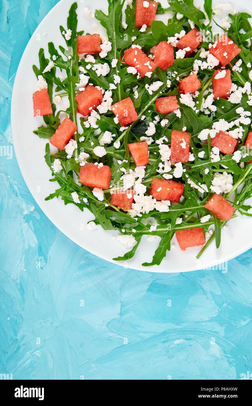 Frische Sommer Wassermelonen Salat Mit Schafskase Und Rucola Auf