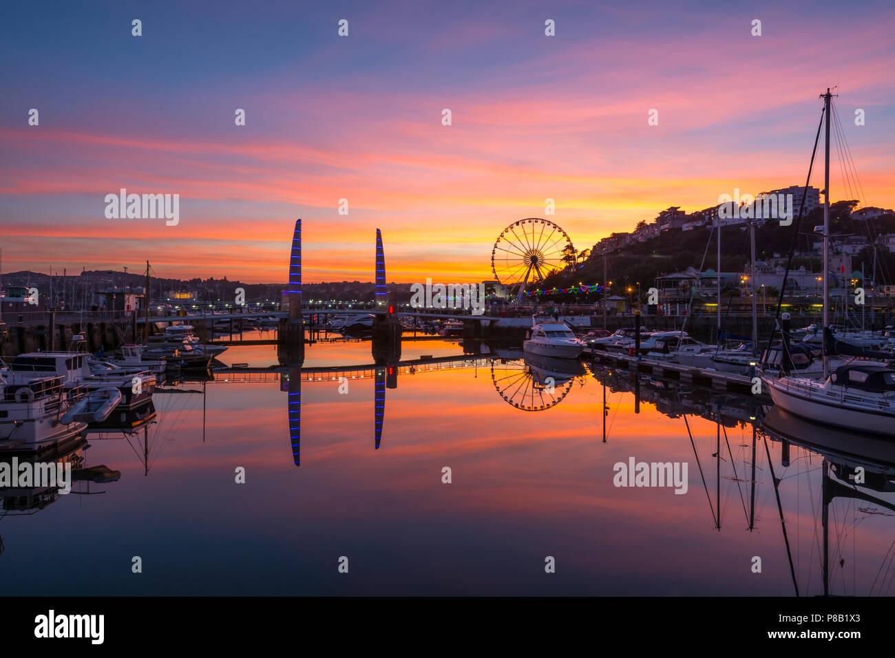 Der Hafen von Torquay Sonnenuntergang Stockbild