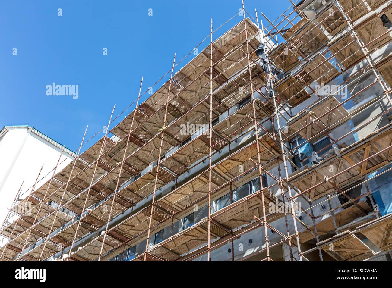 Alte Gebaude Im Umbau Die Warmedammung Der Fassade Stockfoto Bild