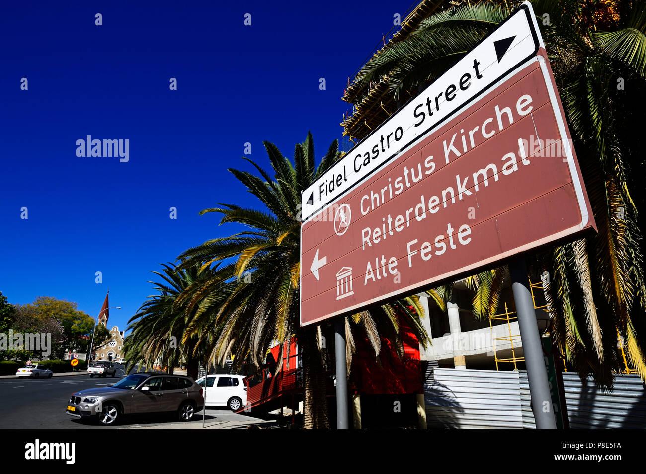 Zeichen Christi Kirche und Fidel Castro Street mit Blick auf die Kirche, Windhoek, Namibia Stockbild