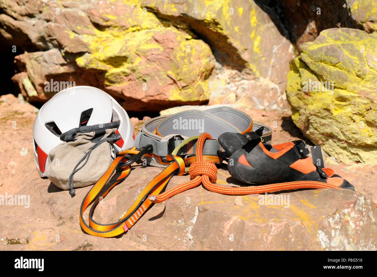 Klettergurt Mit Helm : Kletterausrüstung klettern klettergurt gurtband acht knoten