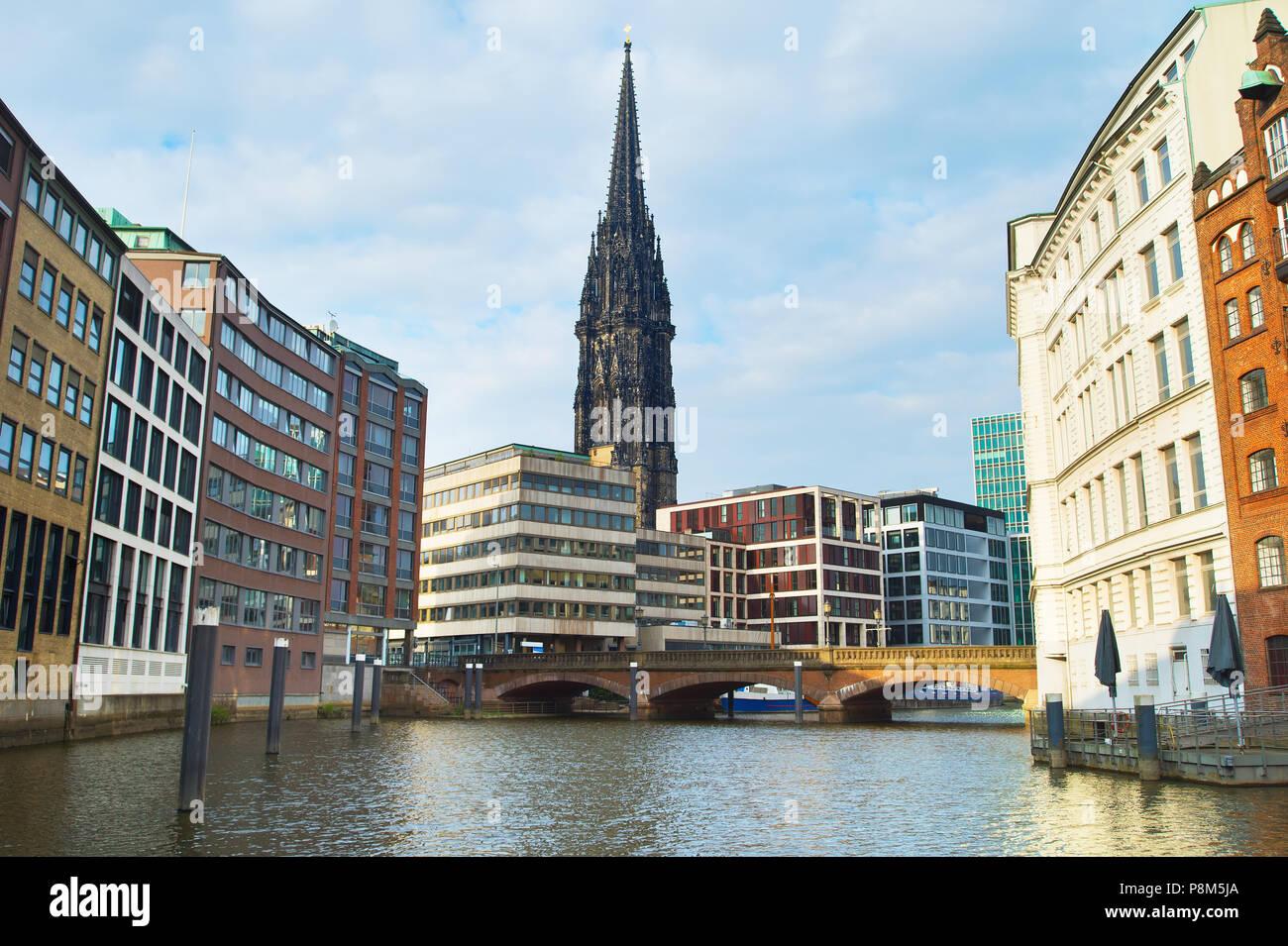 Der neugotischen Kirche St. Nikolaus. Hamburg, Deutschland Stockbild