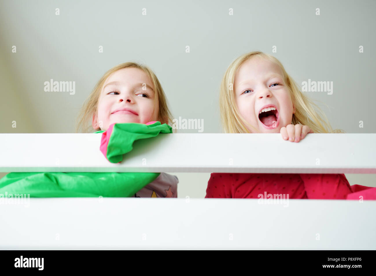 Zwei Etagenbett : Hochbett fur zwei kinderzimmer fa r einrichten best of