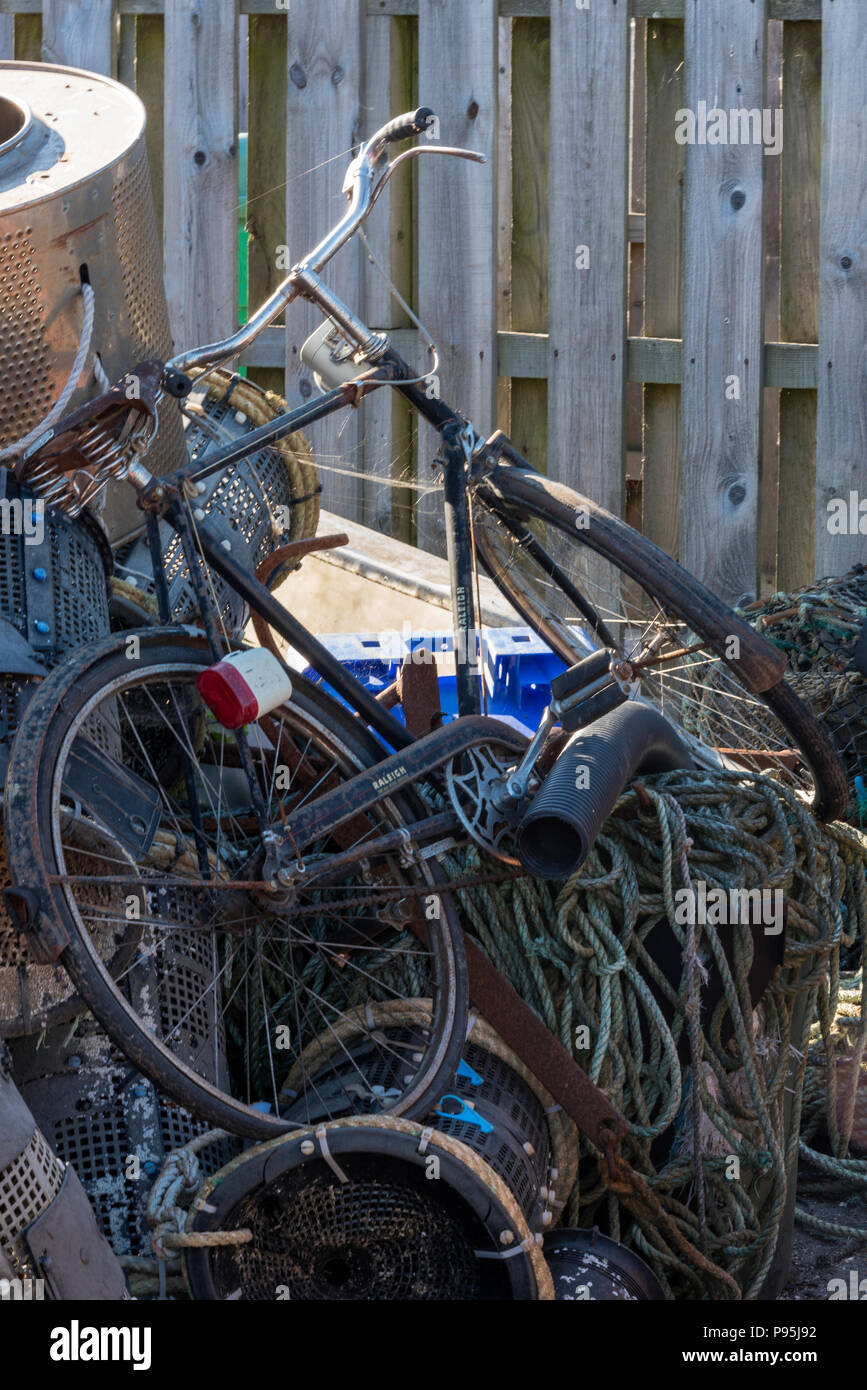 Alte Vintage Fahrrad Auf Einem Schrottplatz Stockfoto Bild