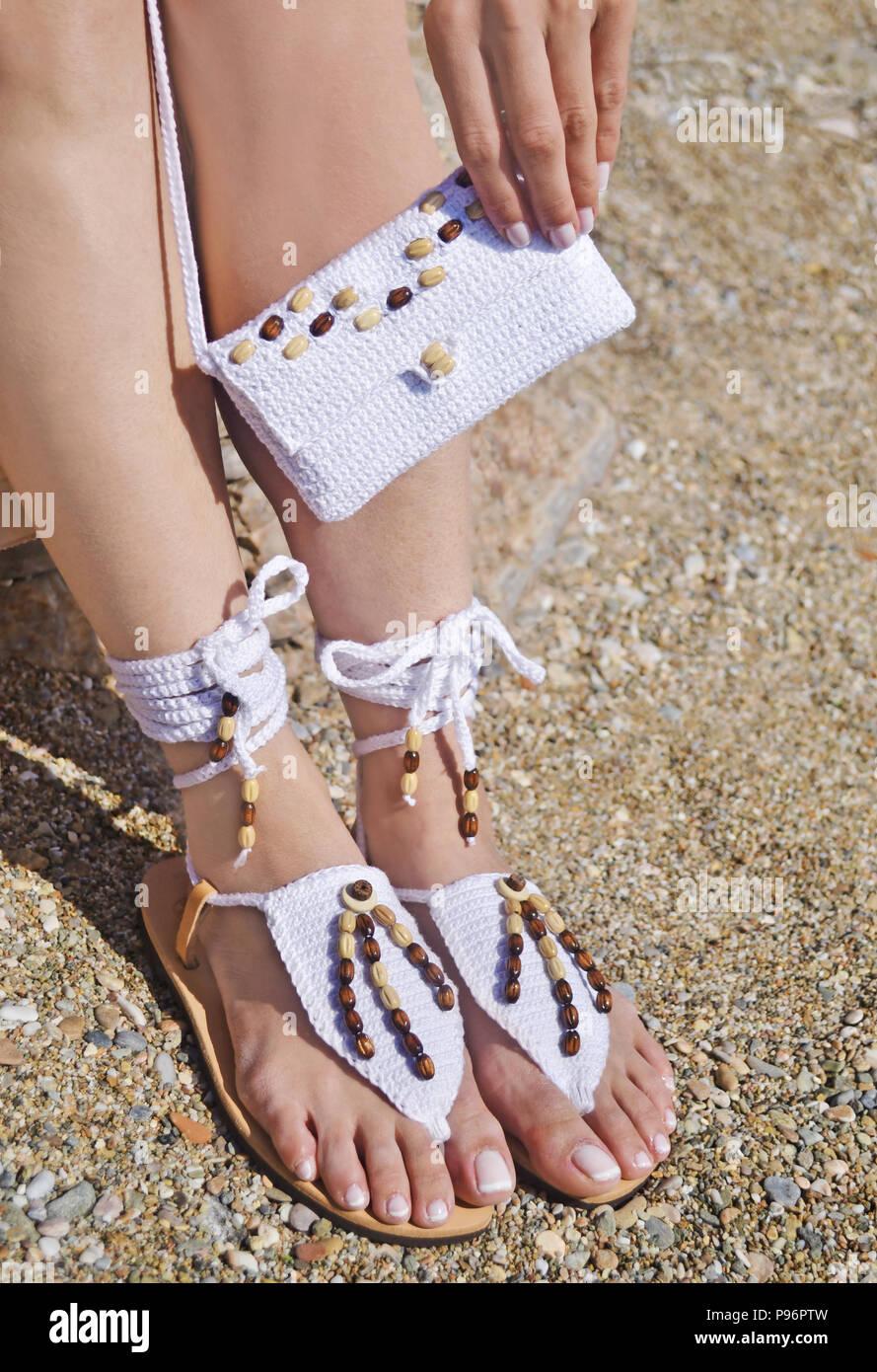 Griechische Sandalen aus Leder und weiß Baumwolltasche