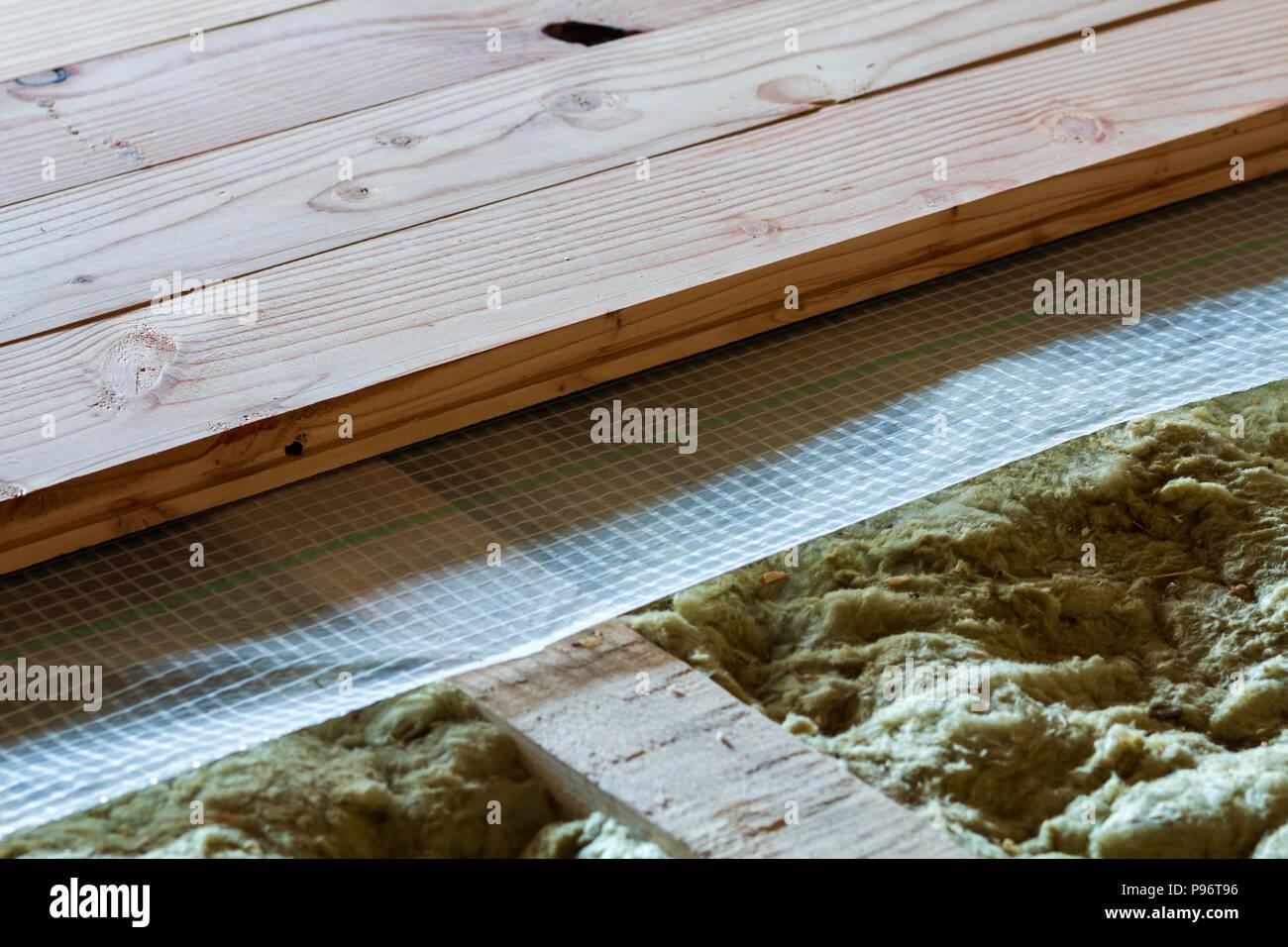Holzfußboden Dämmen ~ Holzfußboden von unten isolieren » drei schwarze rahmen hängen eine