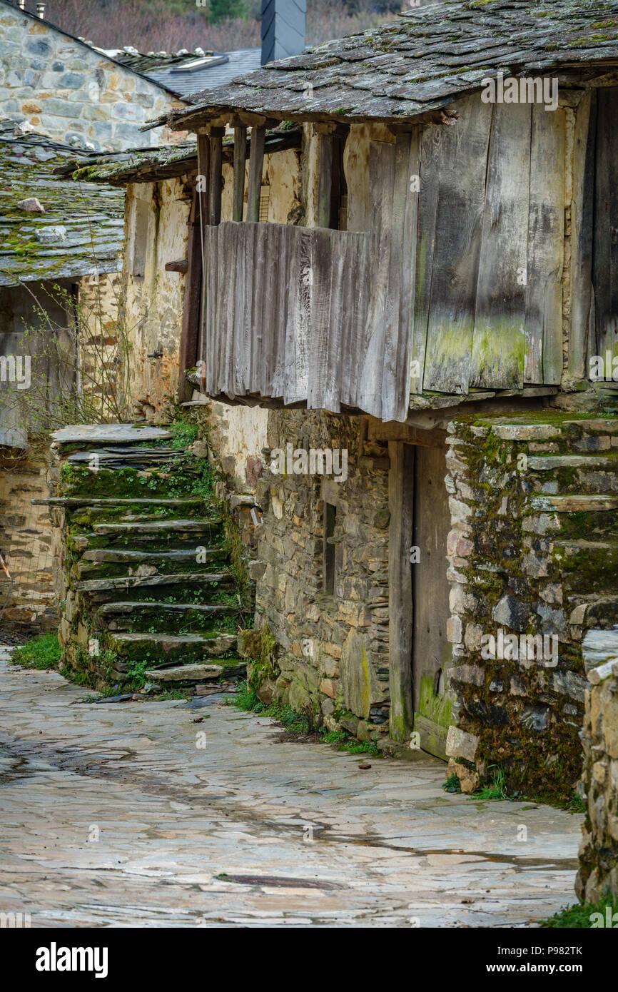 Alte Antike Haus Mit Balkon Aus Holz Und Stein Treppe Stockfoto