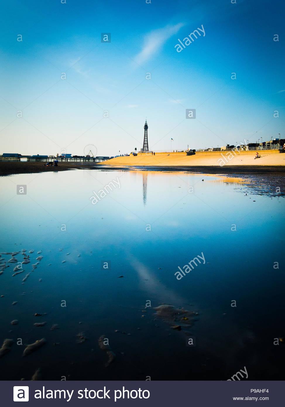 Blackpool Tower Reflexion Stockbild