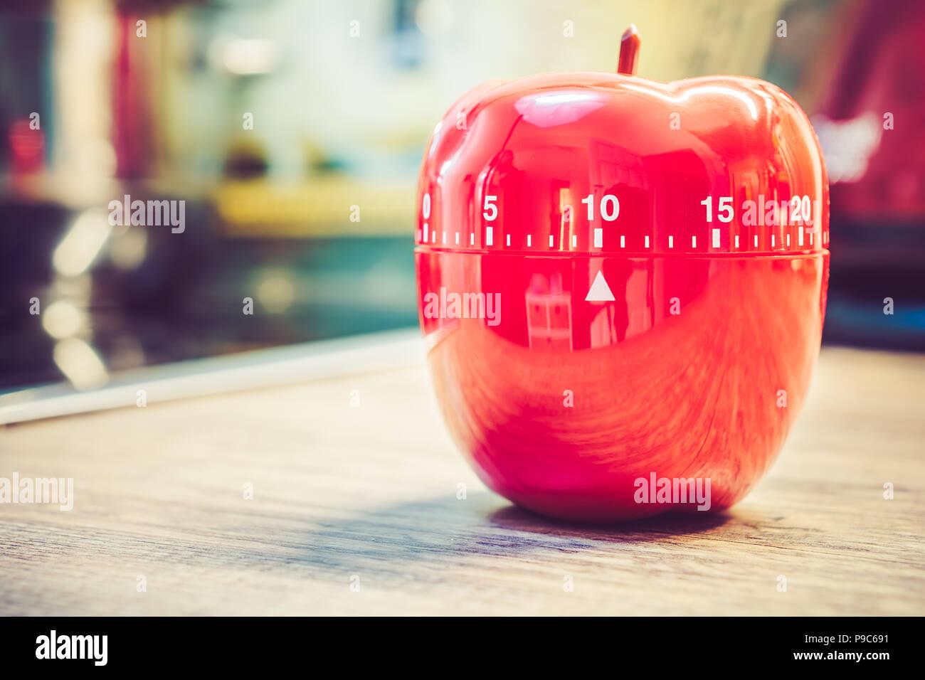 10 Minuten - Rote Küche Eieruhr in Form von Apple auf der ...