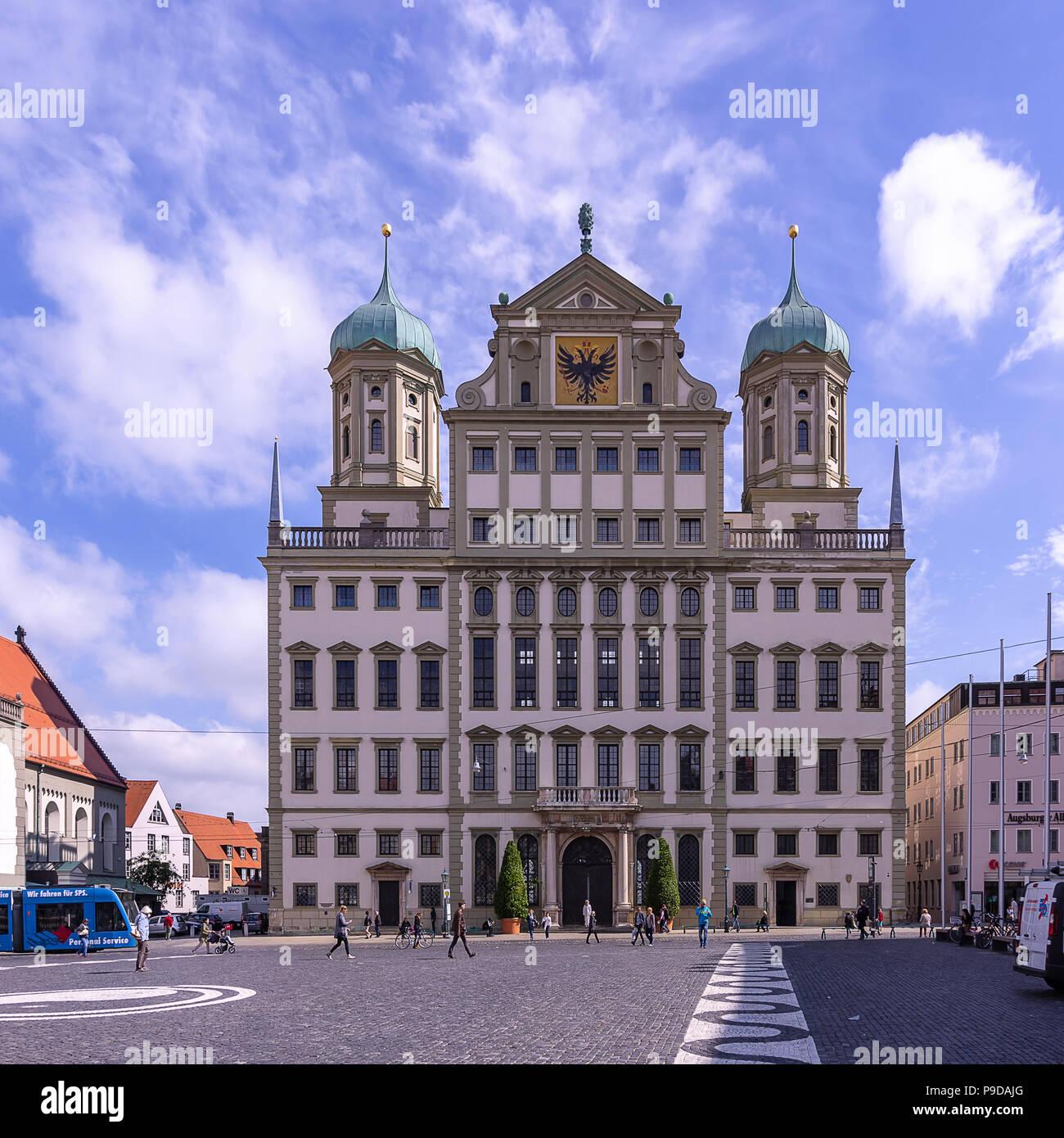 Augsburg, Bayern, Deutschland - Das historische Rathaus auf dem Marktplatz. Stockfoto