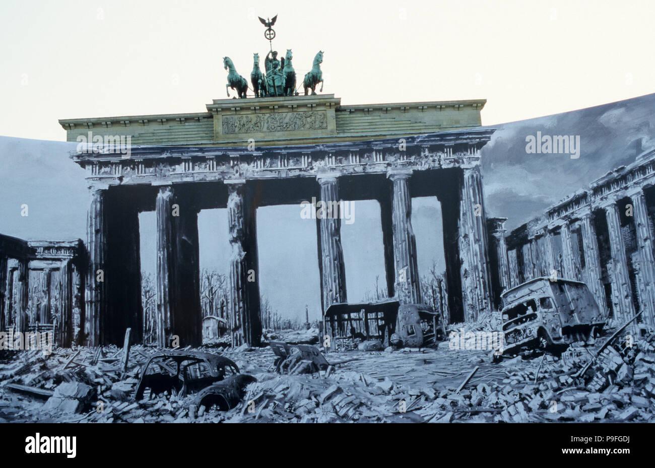 Deutschland Berlin Brandenburger Tor Mit Der Quadriga Die Skulptur An Der Spitze Der Romischen Gottin Victoria