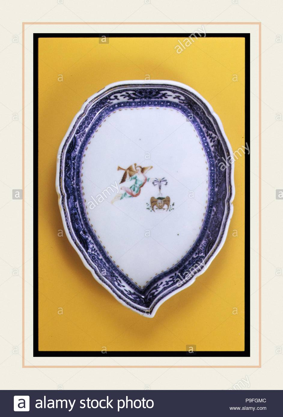 Pickle Dish, Ca. 1785, in China, Chinesische, Porzellan, 5 3/4 x 7 3/4 in. (14,6 x 19,7 cm), Keramik. Stockbild