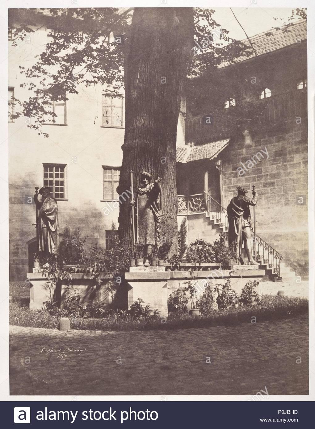 Nürnberg, Intérieur de la Cour du Burg Impérial, 1857, Eiweiß silber Drucken aus Glas negativ, Bild: 34,9 x 26,9 cm (13 3/4 x 10 9/16 in.), Fotografien, Léon Gérard (Französisch, 1817-1896). Stockbild