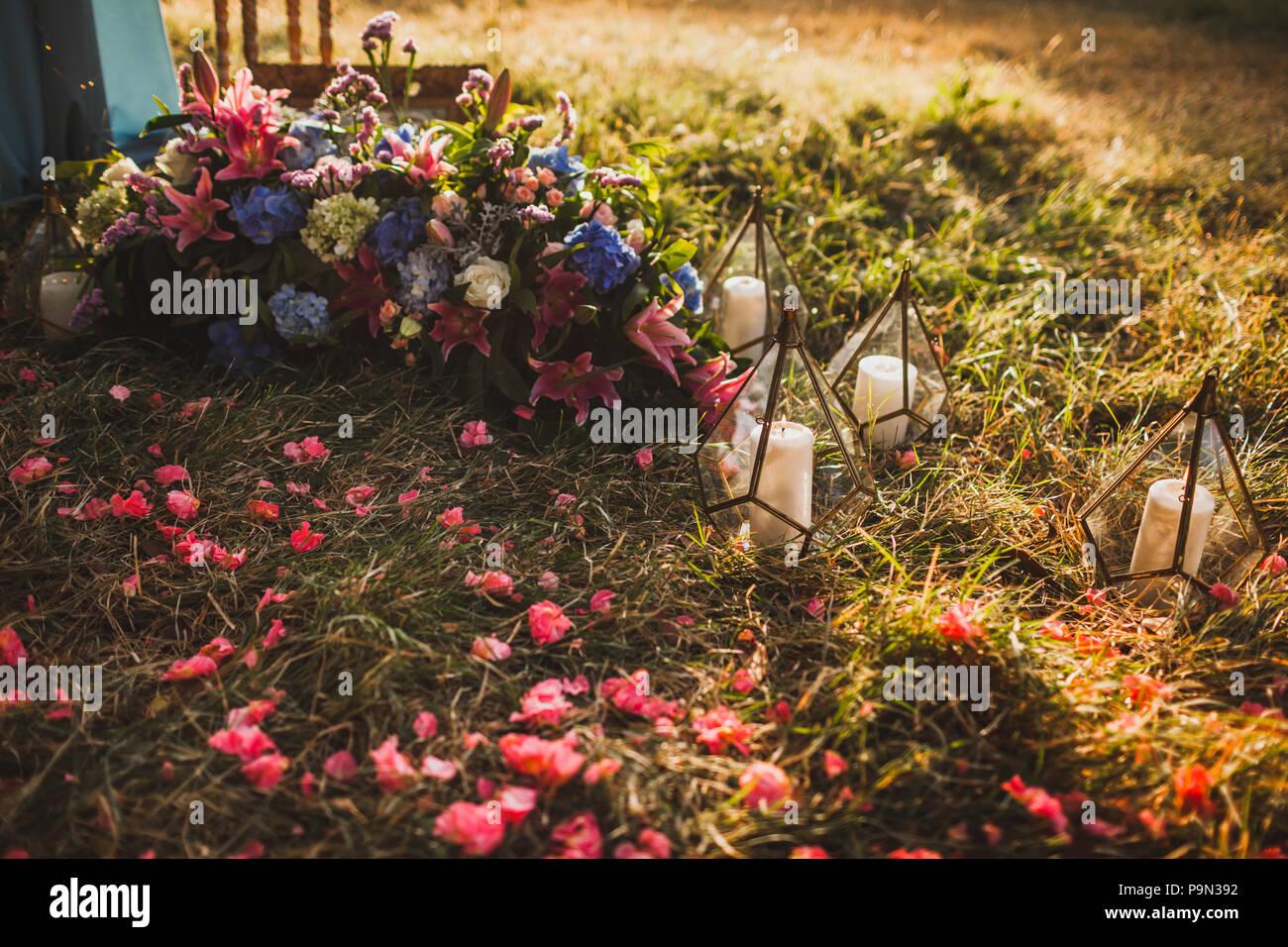 Hochzeit Dekoration Mit Vielen Kerzen Im Glas Transparent