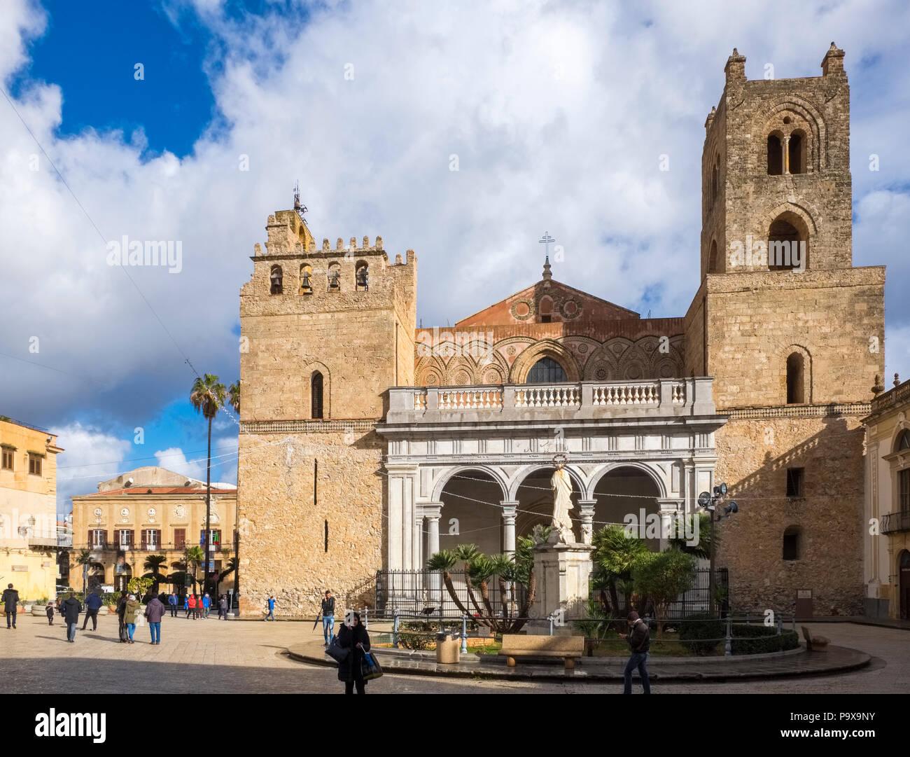 Die arabisch-normannischen Dom in Monreale, Sizilien, Italien, Europa Stockbild