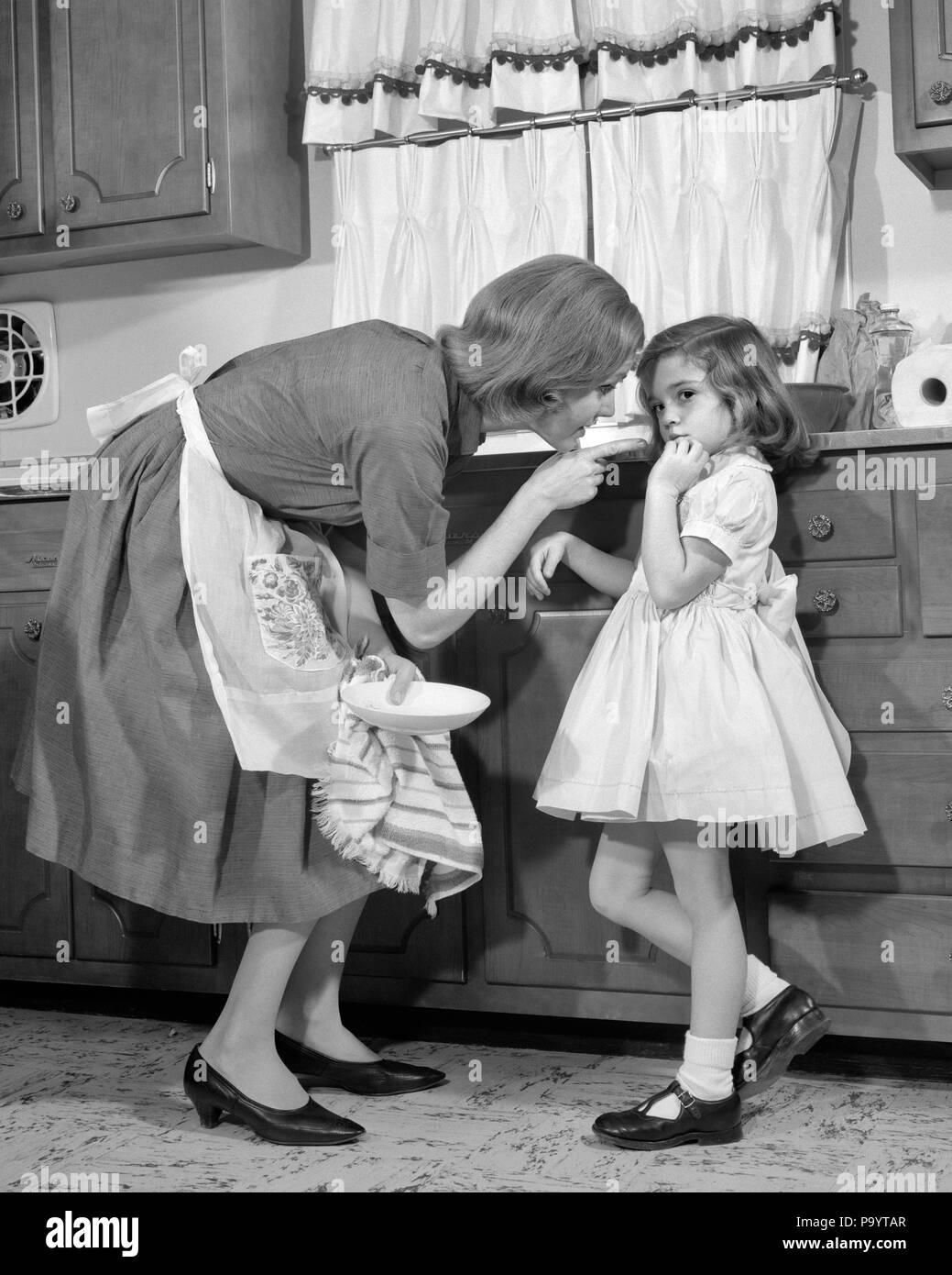 1960 S Frau Mutter In Der K 252 Che Der Disziplinierung Der