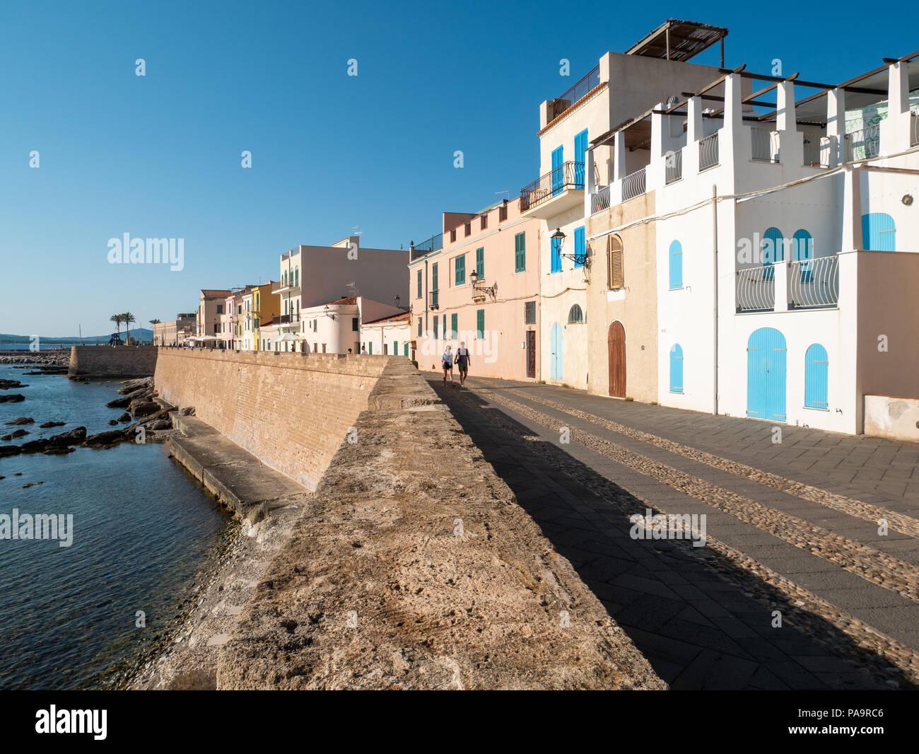 Waterfront Promenade, Alghero, Sardinien, Italien Stockbild