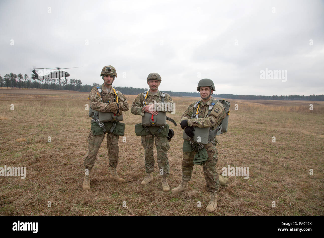 Us Armee Fallschirmjager Posieren Fur Ein Foto Bei Der