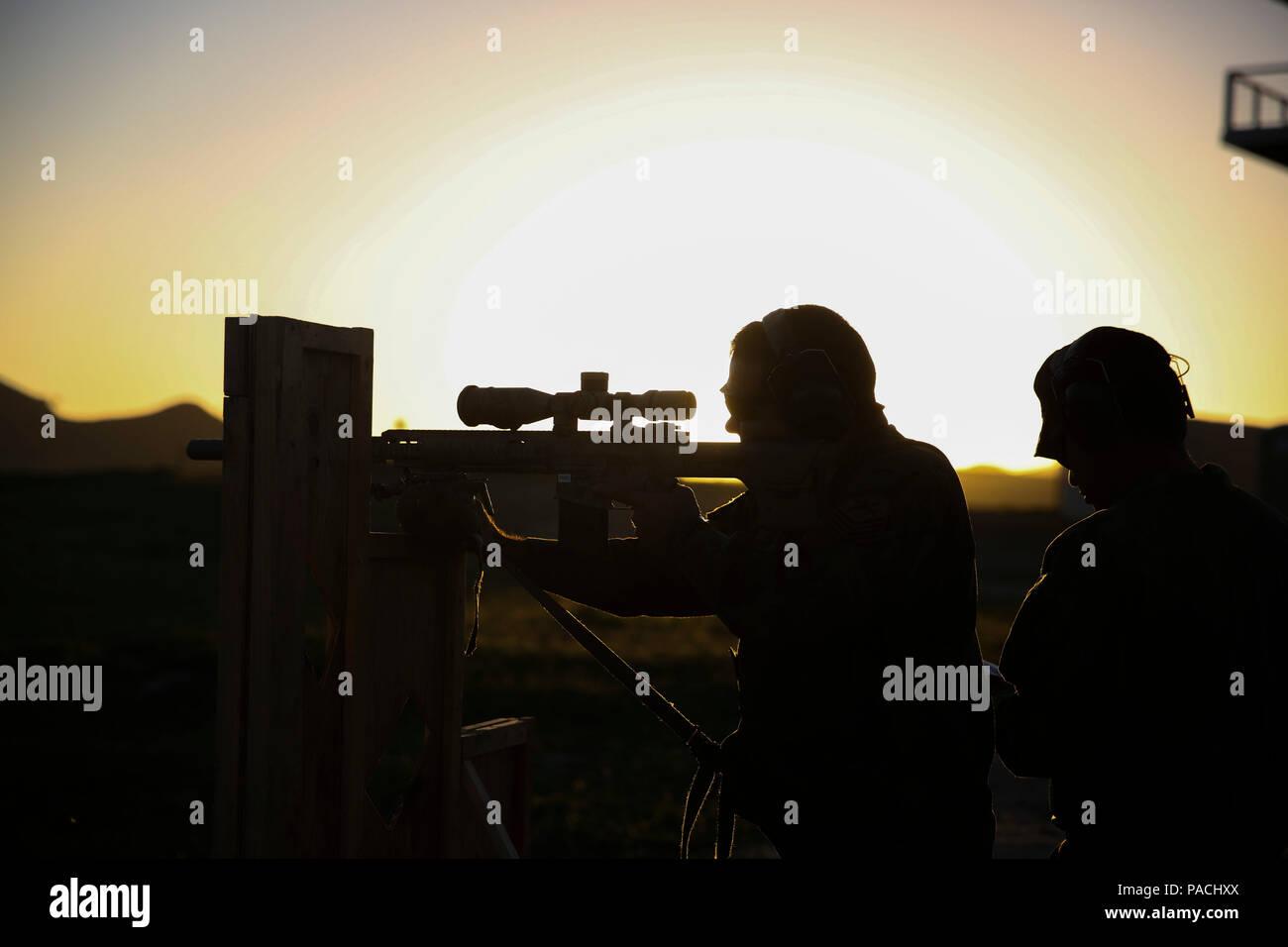Entfernungsmesser Scharfschütze : Ein scharfschütze mit der special operations bataillon
