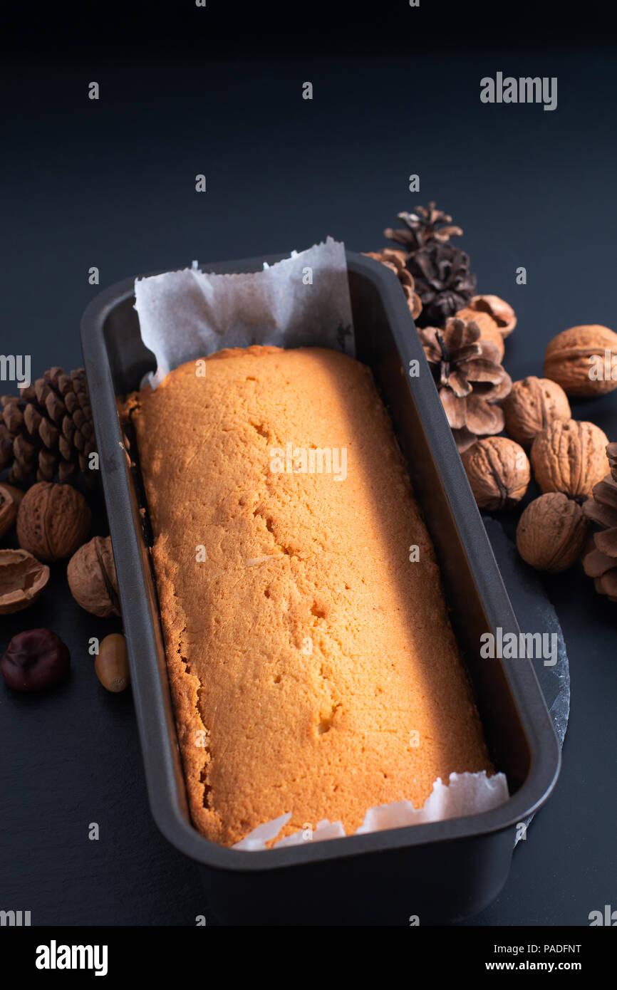 Frische Hausgemachte Pound Butter Kuchen In Kastenform Auf Schiefer