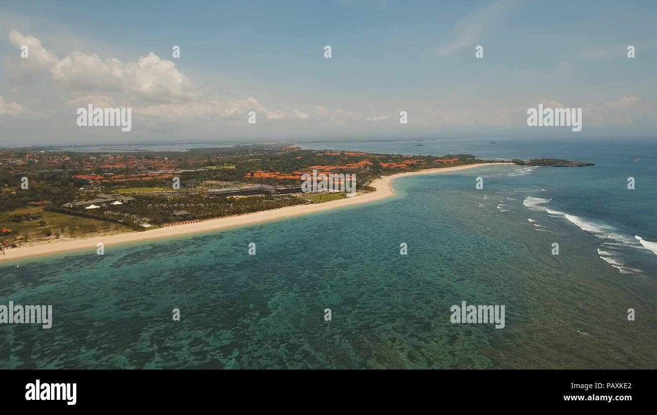 Luftaufnahme Von Schonen Strand Hotels Und Touristen Pura Geger