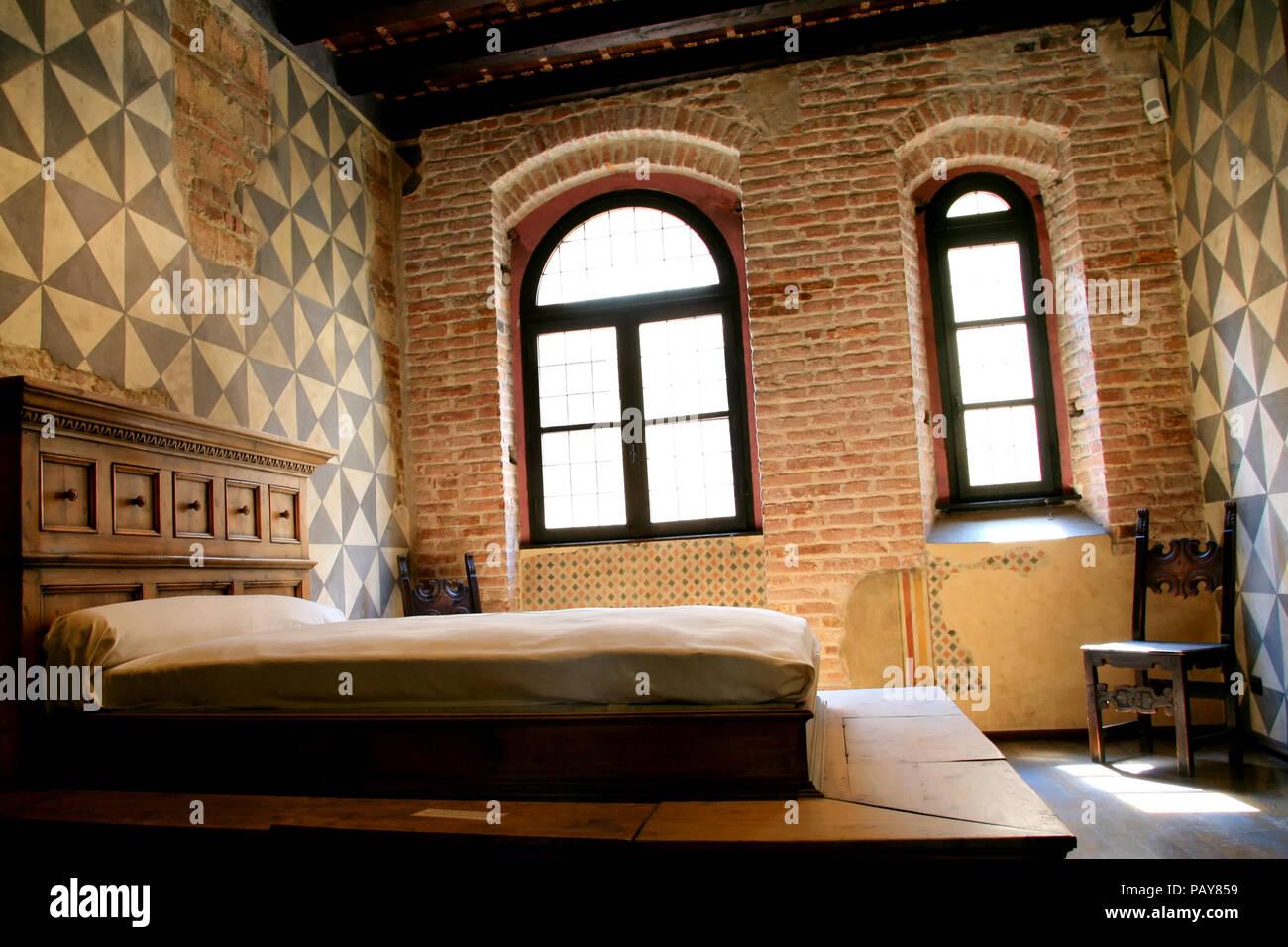 Dettaglio camera da letto di Giulietta - Verona, Italien ...