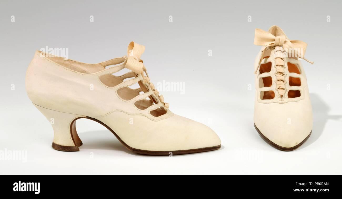 best sneakers 07587 7b256 Schuhe. Kultur: Französisch. Designer: Pierre Yantorny ...